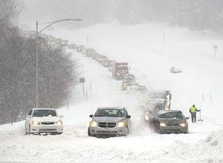 В Закарпатській області снігопади, поліція застерігає водіїв та пішоходів