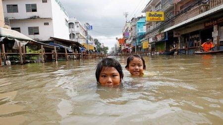Страшна повінь в Таїланді: загинуло більше 20 людей