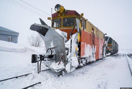 На Рахівщині жінка кинулась під снігоочисний потяг