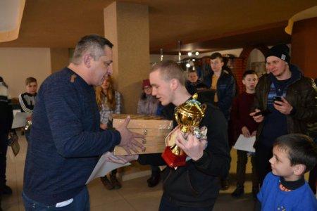 У Тячеві вперше провели міжрайонний Різдвяний дитячий турнір з шахів