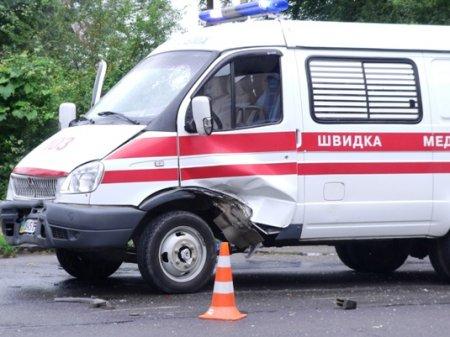 В Ужгороді сталося ДТП за участі швидкої допомоги