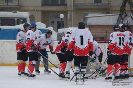 На льодовій арені Ужгорода знову було гаряче (ФОТО)