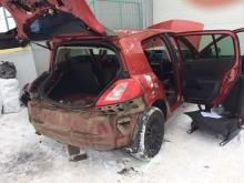 Закарпатські митники вилучили в українця автомобіль нашпигований цигарками