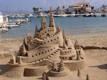 Найвищий в світі замок з піску створили в Індії (ВІДЕО)