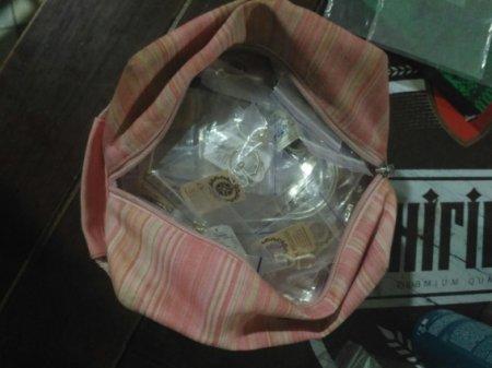 Закарпатка вкрала  срібла на суму понад 20 тисяч гривень і заховала на кладовищі