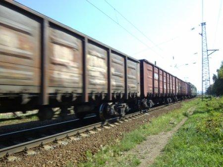В Мукачеві у мікрорайоні Підгоряни товарний потяг збив на переїзді чоловіка