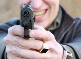 У Рахові молодик обстріляв будинки