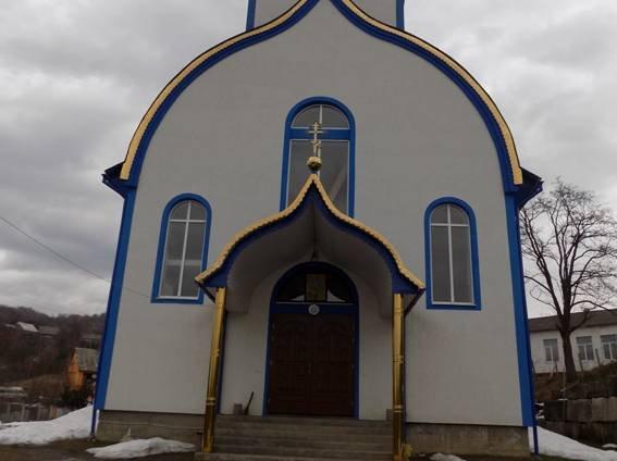 Крадії викрали з церкви вино та гроші на храм