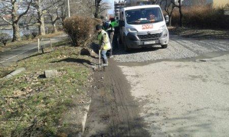 Комунальники Ужгорода почали генеральне весняне прибирання міста (ФОТО)