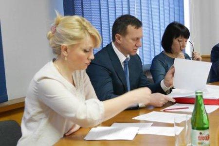 В Ужгороді  демонтують «незаконну» рекламу