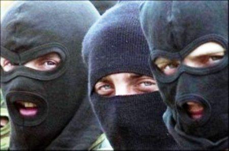 На Виноградівщині троє невідомих в камуфляжах вчинили розбійний напад на угорського фермера