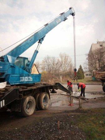 В Ужгороді демонтували  рекламоносії (ФОТО)