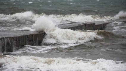 Одесу накрив потужний шторм: вражаючі фото і відео стихії