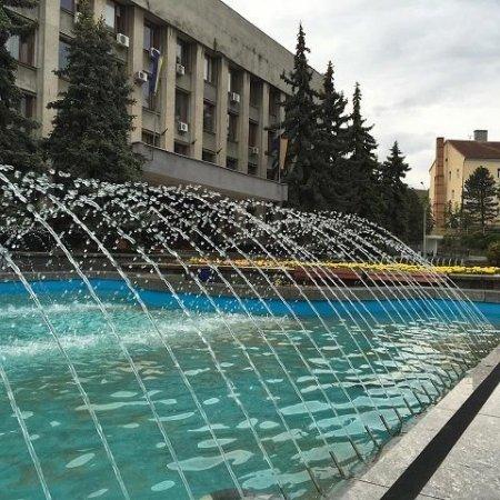 На Великодні свята ужгородців радуватимуть фонтани
