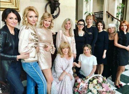 Пугачова відсвяткувала 68-річчя із зірковими друзями (ФОТО)