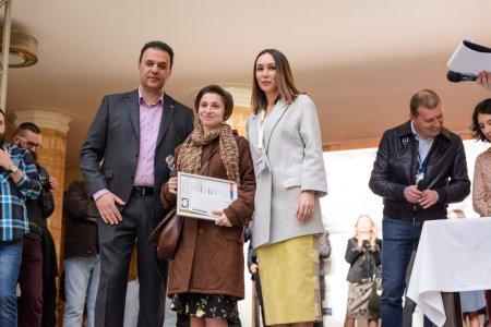 Голова Закарпатської облради нагородив переможця Всеукраїнського студентського конкурсу з живопису «Срібний мольберт»
