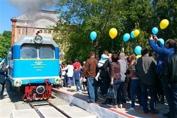 В обласному центрі запрацювала дитяча вузькоколійна залізниця (ФОТО)