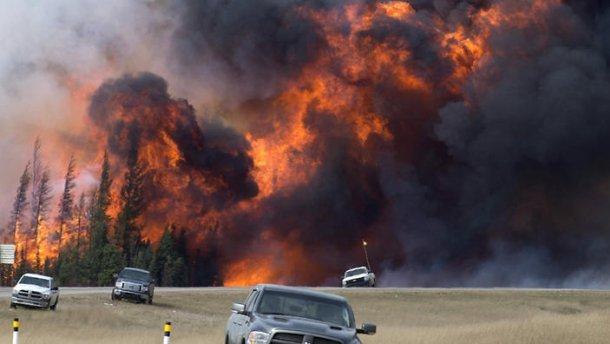 УКанаді оголосили надзвичайний стан через масштабні лісові пожежі