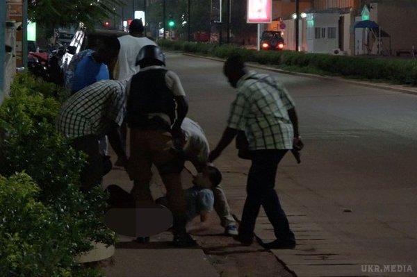 УБуркіна-Фасо екстремісти напали натурецький ресторан, загинули 17 людей