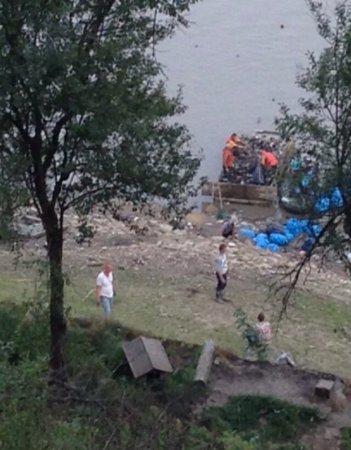Із Вільшанського водосховища вибрали півтори тисячі мішків сміття (ВІДЕО)