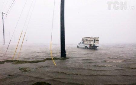 tsn.ua У Техасі Трамп оголосив режим стихійного лиха через посилення  урагану «Гарві (ФОТО) Новини Закарпаття b769f3eb10f33
