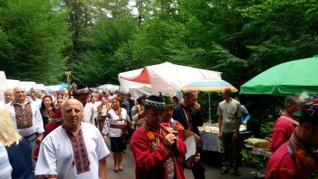 Найкращий фестиваль Закарпаття «Гуцульська бриндзя»  відбувся - злива не завадила (Фото)