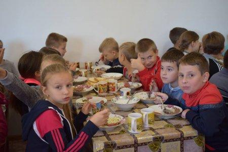 Мер Берегова урочисто відкрив дитячу столову, яку було облаштоване коштом міської ради (фото)