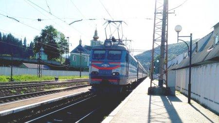 Залізничний потяг Ужгород – Харків на смерть задавив двох закарпатців