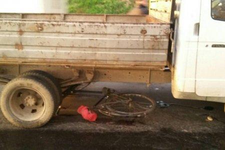 Жінку-велосипедиста на смерть розчавила вантажівка (ФОТО)