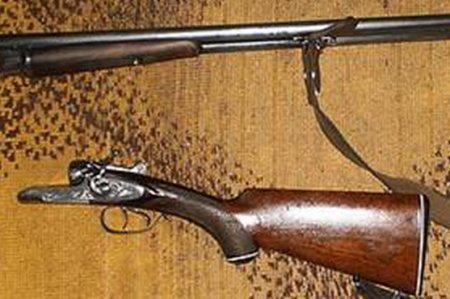 Закарпатець знайшов у лісі рушницю та приніс до поліції (ФОТО)