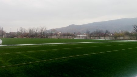У Виноградові закінчують будівництво сучасного футбольного поля на стадіоні «Пластмасовик» (відео)