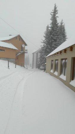 Справжня зима! Драгобрат замело снігом