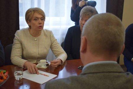 Міністр запевнила, що жодна школа з угорською мовою навчання не буде закрита
