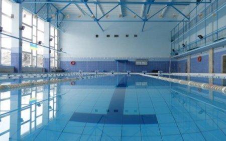 В басейні львівського університету втопився 17-річний студент