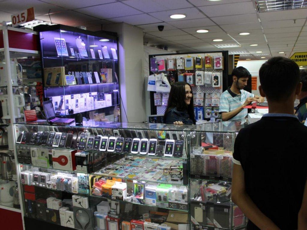 У Франківську правоохоронці встановили викрадача мобільних телефонів з магазинів