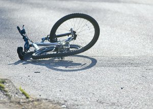 На Закарпатті посеред вулиці впав та помер чоловік