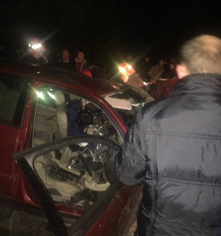 Надорозі Львів-Ужгород загинули внаслідок зіткнення водій і пасажир легковика