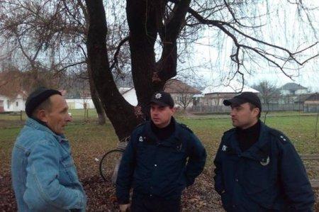 """Іршавські поліцейські долучились до акції """"16 днів проти насильства"""" (фото)"""