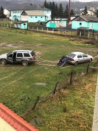 На Тячівщині в селі Грушево стадіон місцеві довели до жахливого стану (фото)