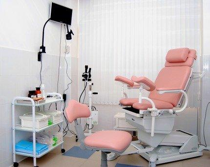Прийом у гінеколога: у Росії чоловік зайшов у лікарню, переодягнувся у лікаря та запросив на огляд жінок