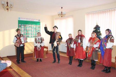 Працівників Рахівської районної ради привітали  з новорічно-різдвяними свята (ФОТО)ми