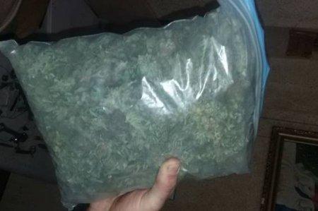 Під час обшуку вдома у закарпатця поліція знайшла канабіс та набої (ФОТО)