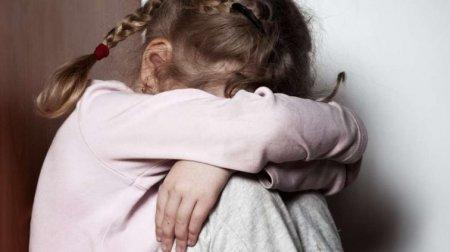"""""""Спочатку побив, а потім згвалтував"""": Після жорстокої наруги вітчима 3-річна дівчинка померла"""