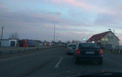 Кілометрові черги утворилися на КПП «Дяково» у Виноградівському районі