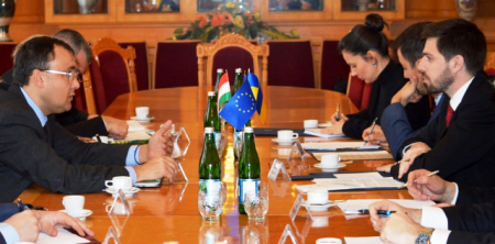 Україна дала задню по мовному закону закарпатські угорці можуть надалі навчатися, як раніше