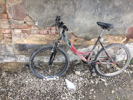 У Виноградові дільничні офіцери поліції затримали крадія велосипеда (ФОТО)