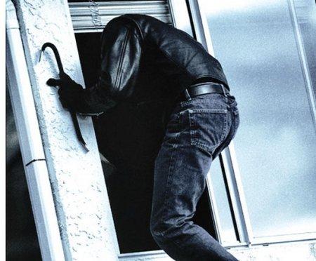 Поки закарпатці на заробітках злодії обкрадають їх хати