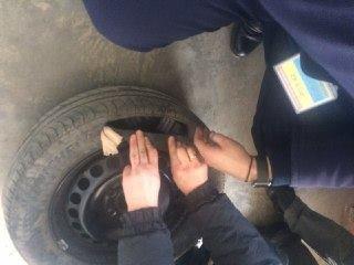 Знову на варті кордону: прикордонники Чопського загону завадили двом спробам незаконного переміщення сигарет (ФОТО)