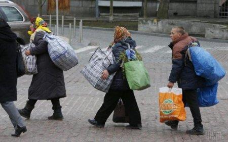"""""""Не можна вижити на 200 доларів"""": посол ЄС розповів про жахи нерівності в Україні"""