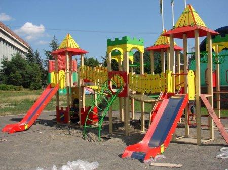 Закарпатська прокуратура продовжує захищати права дітей
